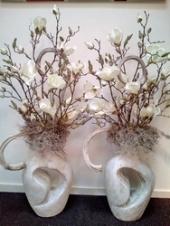 Vaas met magnoliatakken +stok (Voorbeeld)